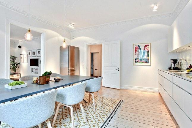 hay stoelen witte keuken - Danielle Verhelst Interieur u0026 Styling ...