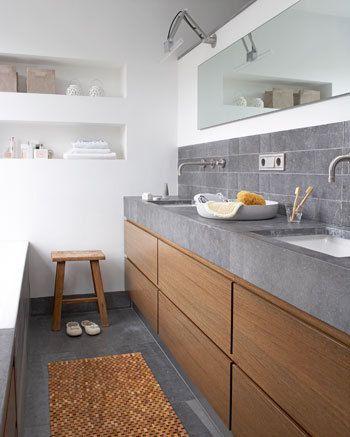 Een houten badkamermeubel natuurlijk stijlvol danielle verhelst interieur styling breda - Badkamer exotisch hout ...